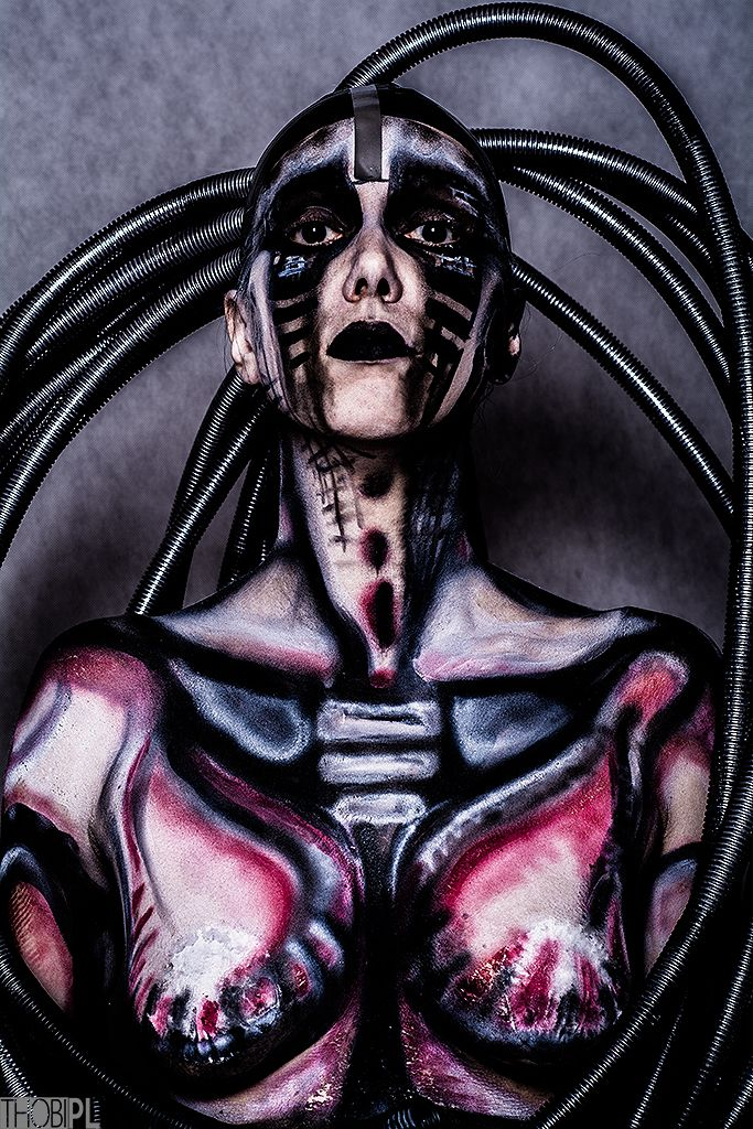 Häßlich, du bist häßlich...  #black-white, #bodypainting, #city, #DIY, #portrait, #stylization #bodypainting, #cyber, #cyberpunk, #cyberpunk 2020, #cybertrash, #cyborg, #slums, #tentacles, #the fifth element, #trash, #wires