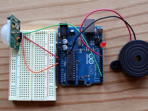 Motion detector alarm makezine s16_blog_pirsensor