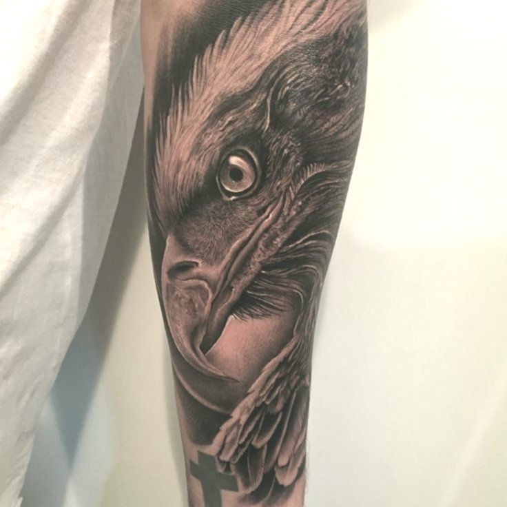 Vogel Tattoo 3d Adler Kopf Auf Dem Unterarm Vogel Tattoo