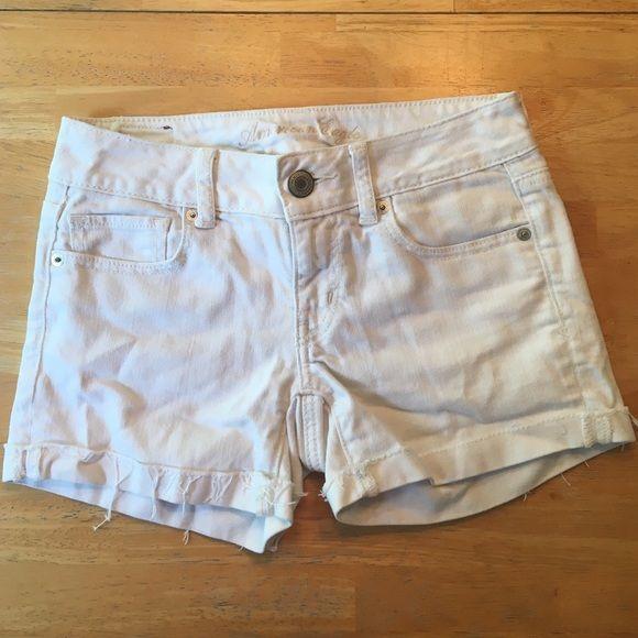 American Eagle Stretch Denim Shorts Gently used, comfortable, Ameican Eagle, white denim shorts! American Eagle Outfitters Shorts Jean Shorts