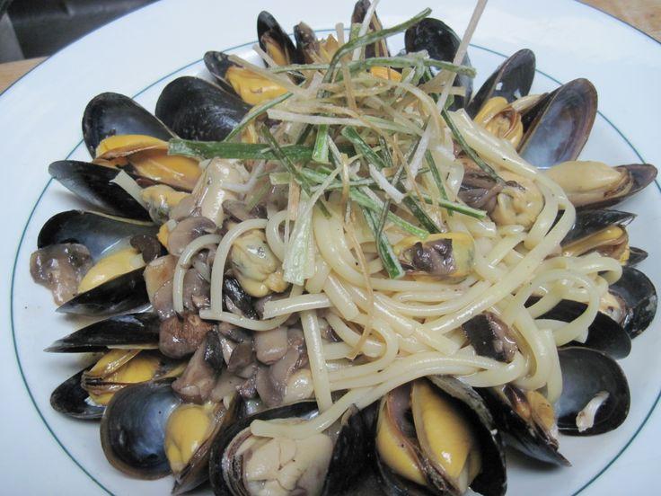 Linguini with Mussels - White Wine Sauce, Field Mushrooms, Roasted Garlic, Crispy Leeks  #Yum #Foodporn #Chefslife #gourmet #pinsperation