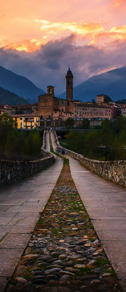 Bobbio, Italy. Places to travel before your die.