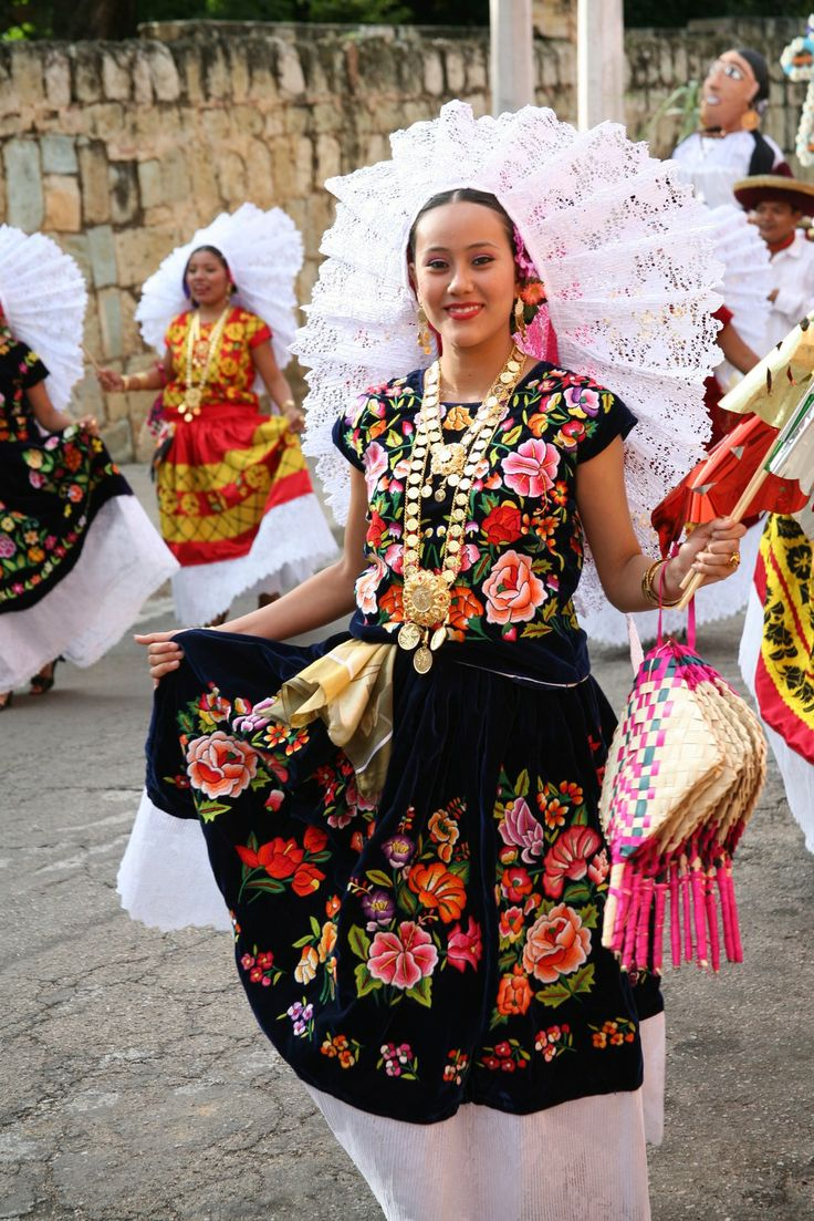 Oaxaca, México   MEXICO - Oaxaca - Dance Costumes/Trajes ...