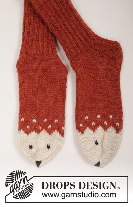"""Miss Fox - Set consists of: Knitted DROPS mittens, hat and socks with fox pattern in """"Alpaca"""". SIZE 0 months - 14 years. - Free pattern by DROPS Design"""