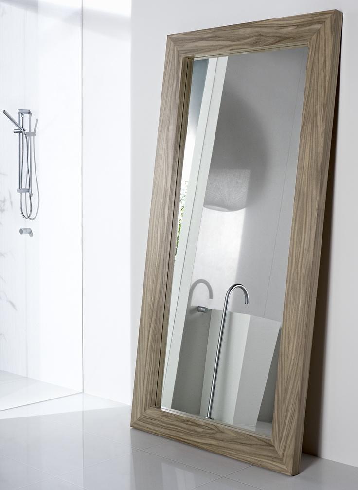 Feature walls essastone Sorbet. Mirror trim Laminex Natural Timber Veneer Queensland Walnut. Styling Wendy Bannister. Photography Earl Carter.