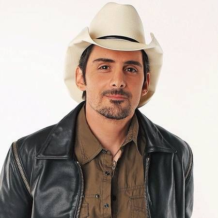 Brad Paisley wiki, affair, married, Gay with age, height, singer, country,