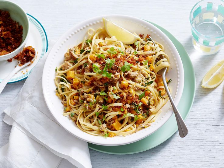 For many Aussies, a quick pasta dish is a go-to for those busier nights and this creamy pumpkin and mince creation is the perfect way to go when you want a change from the classic spag bol. Enjoy!