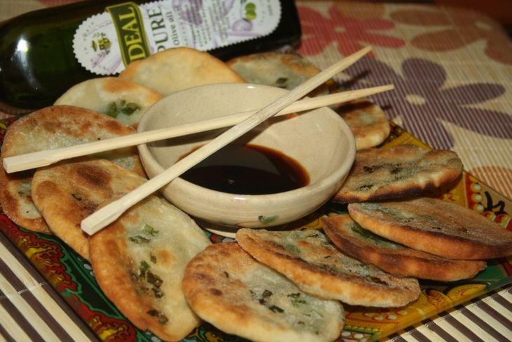Китайские лепешки с зеленым луком пошаговый рецепт с фотографиями