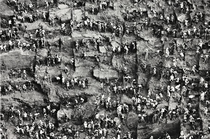 Sebastião Salgado, Gold mine, Serra Pelada, Brazil, 1996