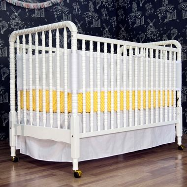 DaVinci Jenny Lind 3 in 1 Convertible Crib in White - Click to enlarge