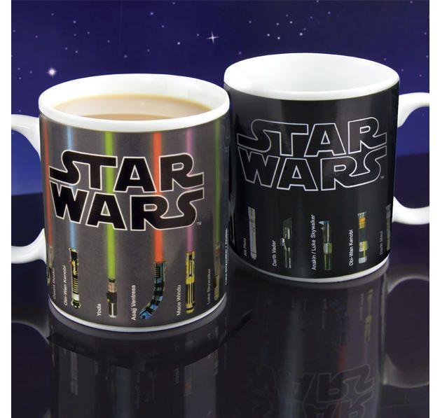 "Star Wars Thermotasse ""Lightsaber"" Lichtschwerter. Hier bei www.closeup.de"