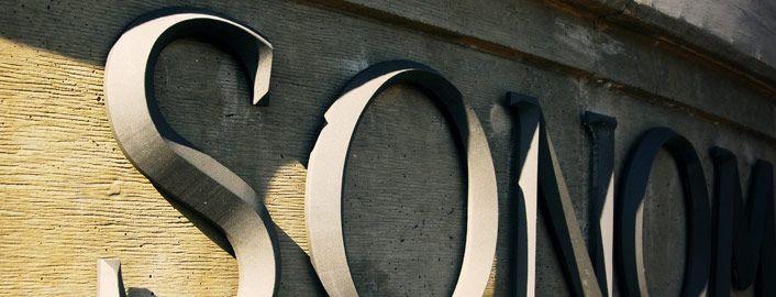 Gegoten metalen letters