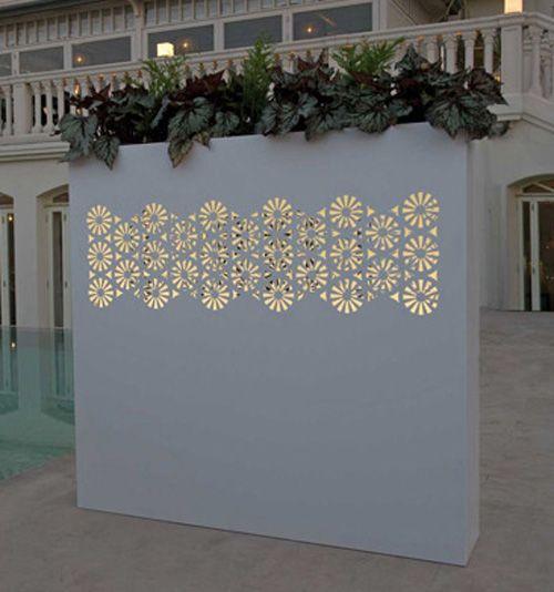 jardineras-Bysteel-de_chapa_perforada-con-luz