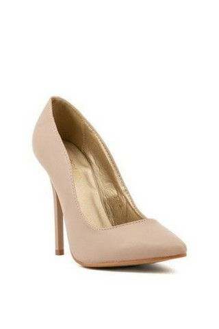 A classic nude pump every women needs to own. Get this staple heel at an un beatable price.
