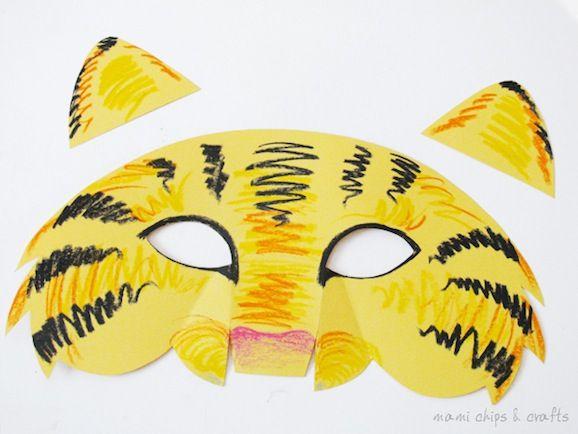 Per tutti i bambini che vorrebbero travestirsi a Carnevale da belva feroce, oggi prepariamo con loro la maschera da tigre! Crearla sarà facilissimo perché potrete scaricare un cartamodello già pronto realizzato da Valentina. Le mamme ritaglieranno le varie parti e i bambini potranno divertirsi a colorare la propria mascherina! La maschera da tigre Uno dei...