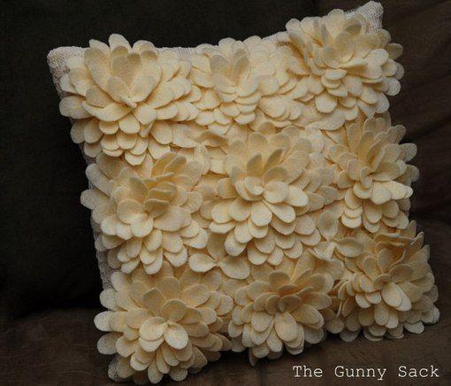 poduszka , kwiaty z filcu krok po kroku Handmade-kursy ,wzory ,tutoriale: Kwiaty z filcu