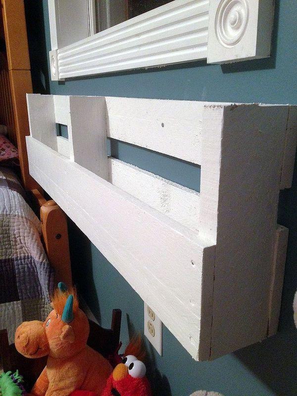 Best 25 wall anchors ideas on pinterest how to repair taps diy pallet bookshelves solutioingenieria Gallery