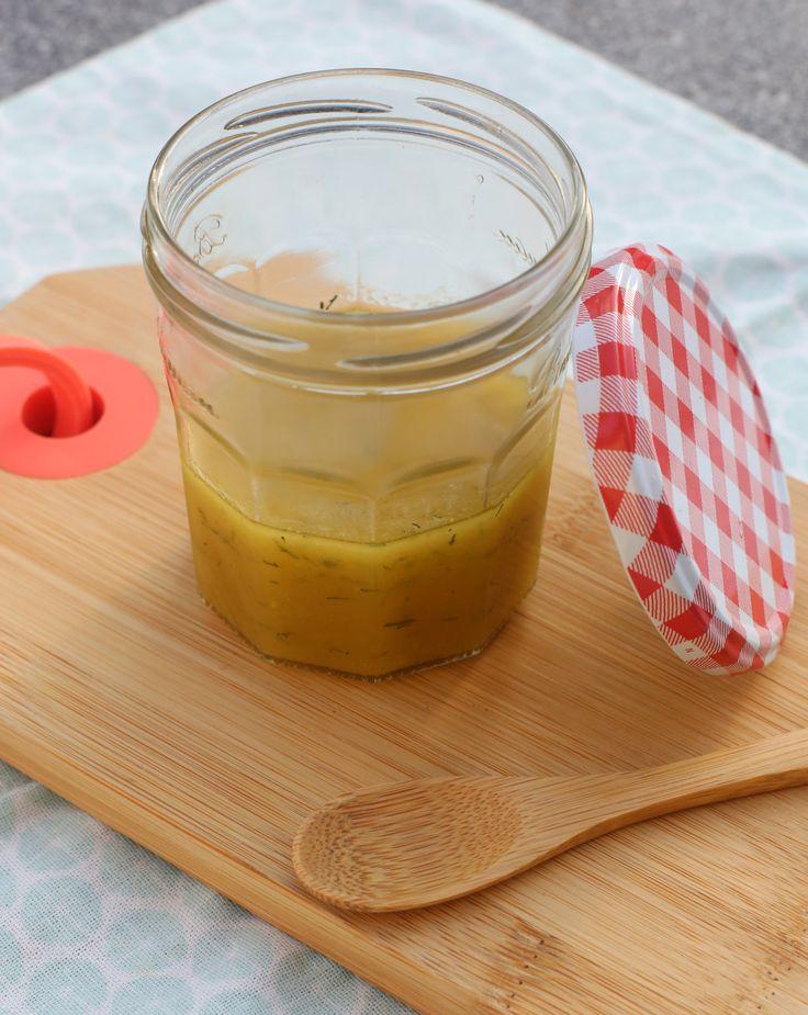 Maak zelf deze lekkere honing mosterddressing als dip over salades of bij een broodje beenham - Maak een dressing ...