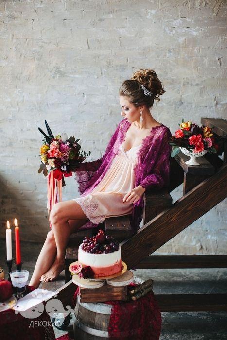 Утро невесты в благородном цвете марсала.