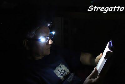 EASYLIGHT_Led Reading Glasses_ Occhiali da lettura con luci LED incorporate, ideali per una lettura piacevole al buio!