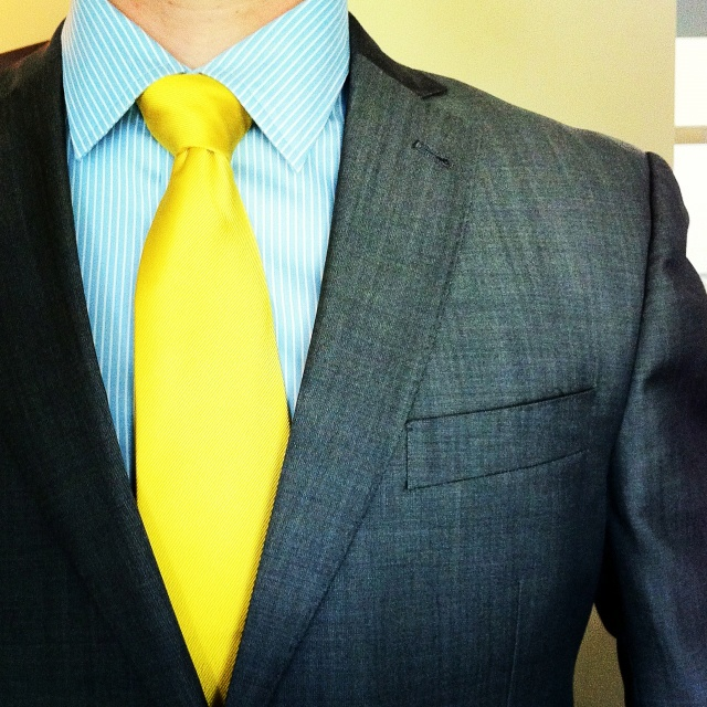 Yellow dress shirt what color tie