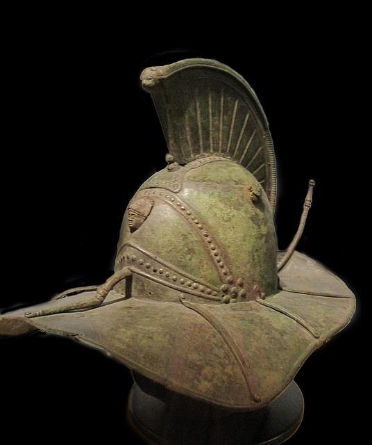 Casco de Gladiador con el héroe Hércules en el frente (s. I aC) #Historia