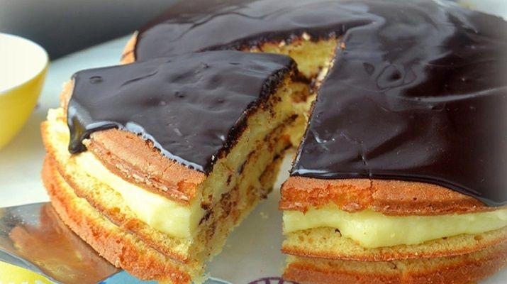Я предлагаю вам испечь этот чудесный во всех смыслах торт! С бесподобными коржами (которые можно взять на заметку) и невероятно вкусным, нежным, густым ванильным кремом. Предвосхищая ваши вопросы могу точно сказать — торт не приторный и не жирный, просто идеальный! Ингредиенты для бисквита: яйца — 3 шт. мука — 220 г сахар — 100 г …