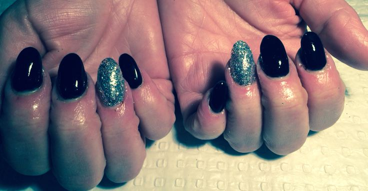 Acrylics finished in Berlin Black & Holographic Silver