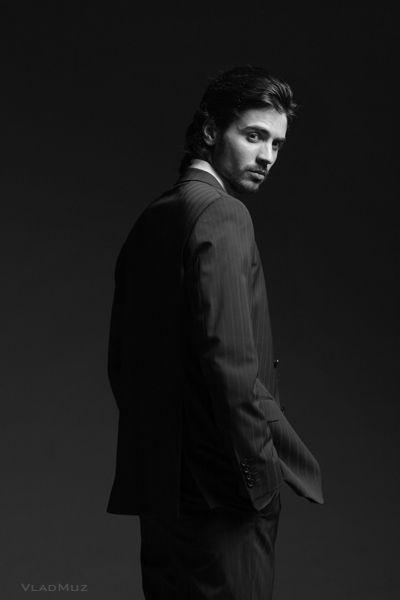 Фото 5 из серии студийных мужских фотопортретов