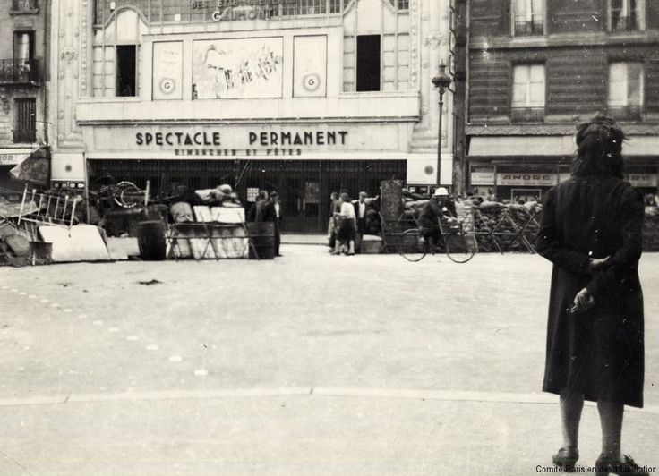 Barricades in the 19th Arrondissement during the battle to liberate Paris. (The Pegorians live in Belleville, which encompasses part of the 19th and 20th arrondissements.) August 1944