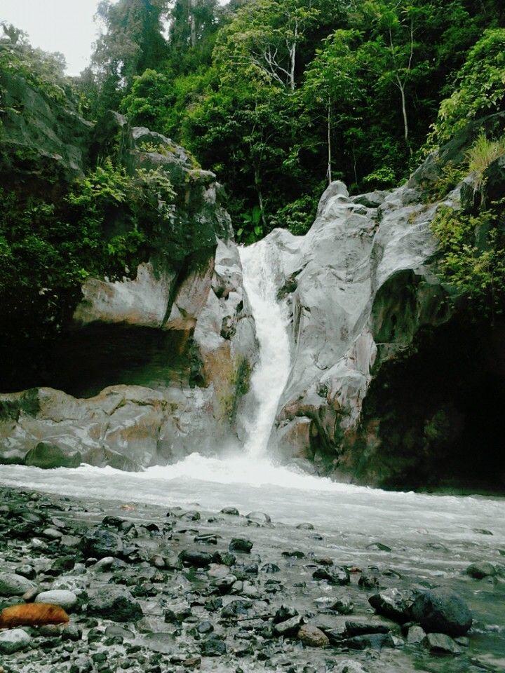 Kuda Sembrani Waterfall, Lombok