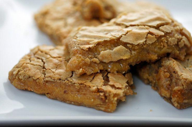 chewy, gooey, cinnamon toffee blondie by Lauren at Keep it Sweet