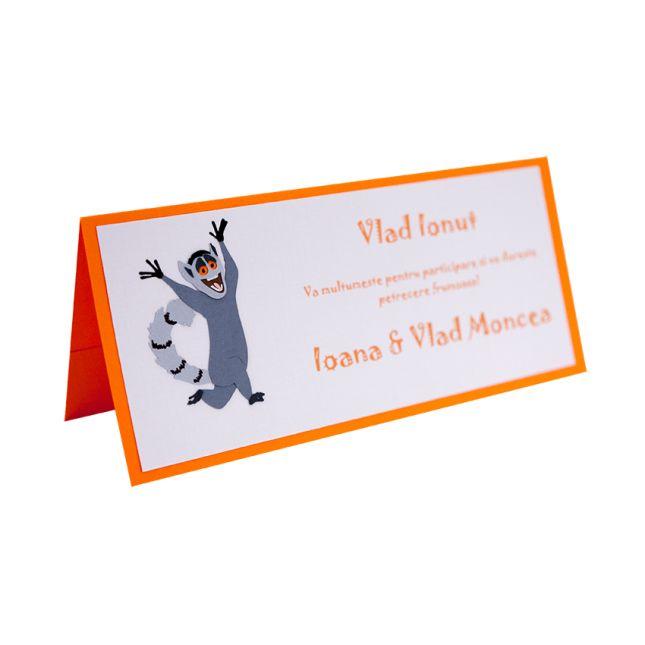 Place card botez cu model inspirat din personajul Madagascar King Julien, si realizat din carton aplicat in multiple straturi