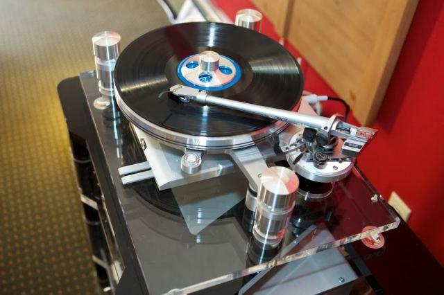 Newport 2012: Burmester, Oracle, Genesis and Anne Bisson, tuned by Tweak Studio – Part-Time Audiophile