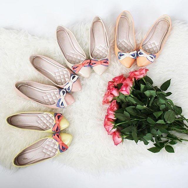My w taką pogodę proponujemy Wam kochane nasze baletki 💕 pastelowe kolowe baletki będą idealne na dziś. A wy jakie macie plany na dzisiaj? 😘 #vices #vicesshoes #fashion #shoesoftheday #baletki #balerinas #spring #weekend