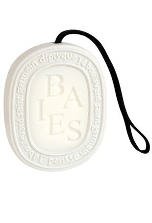 Baies Scented Ovals by diptyque Paris - great to hang in wardrobe, airing cupboard, draw or bathroom.  This has a most beautiful fragrance