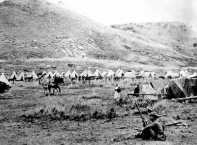 Boers encamped at Lombard's Kop, outside of Ladysmith during the siege. (McGregor Museum)