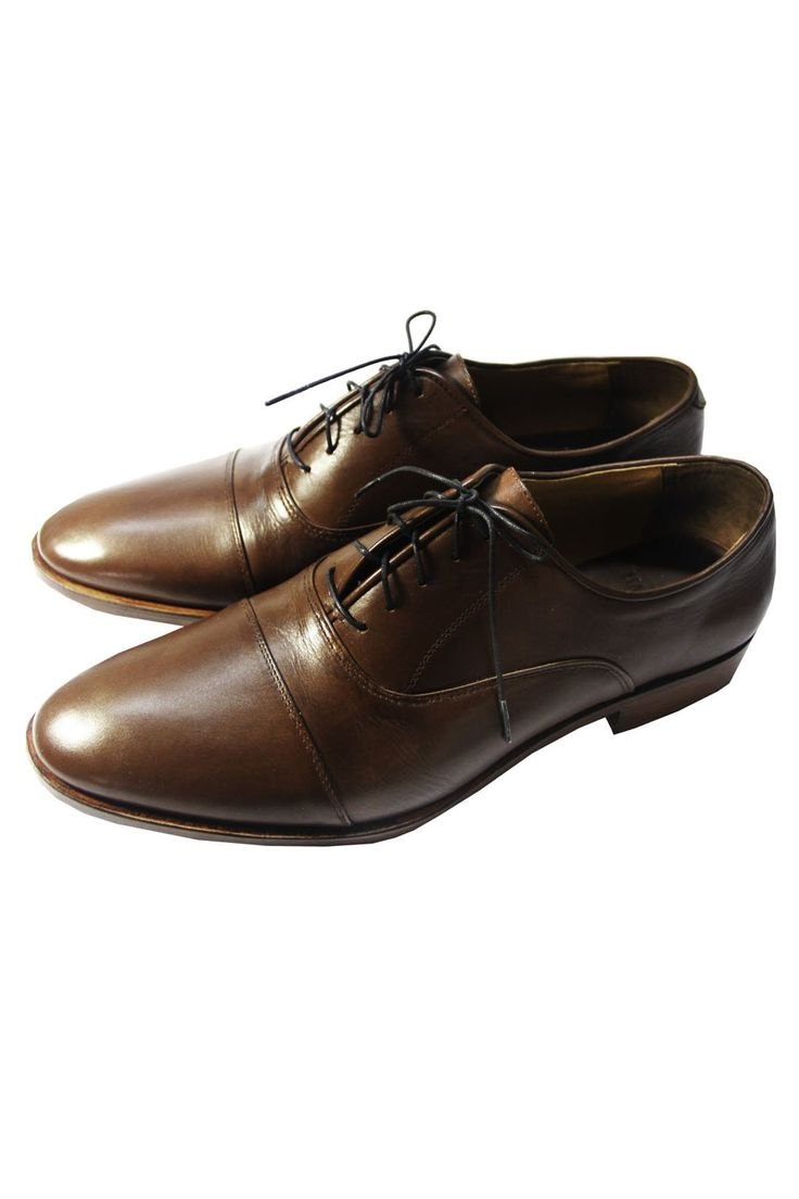 The Mantorii Oxford Cap Toe - An absolute classic and the most formal choice. Features enclosed lacing, blake stitching, full grain leather and a subtle cap toe. Available in other colours. #MensWear #MensStyle #MensFashion #Institchu