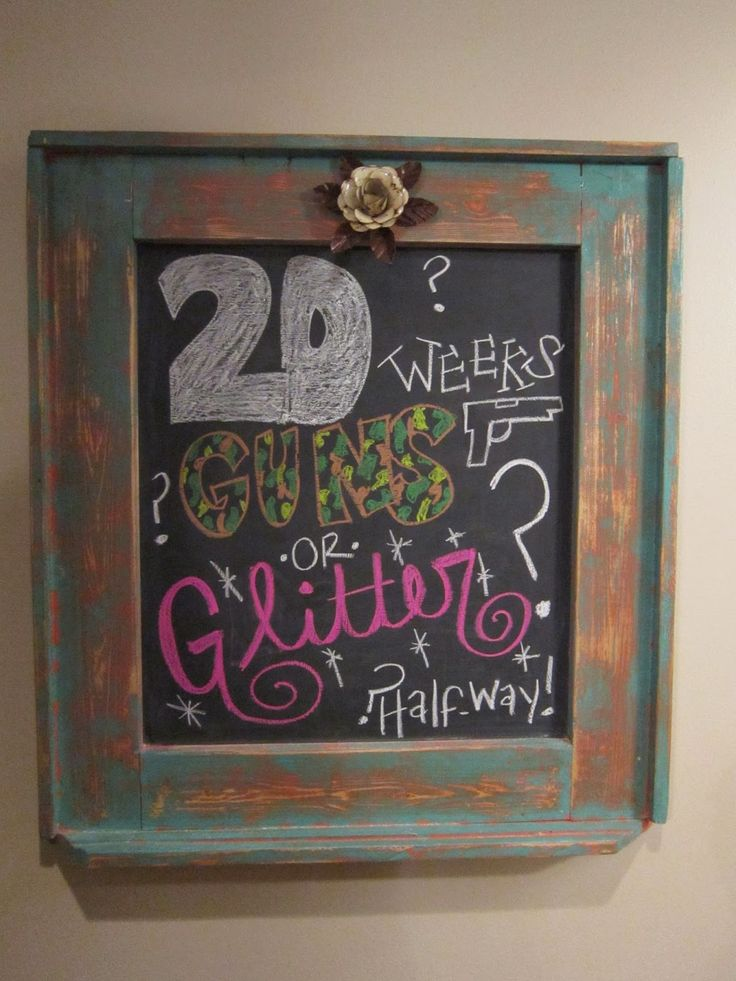 20 weeks pregnancy chalkboard guns or glitter