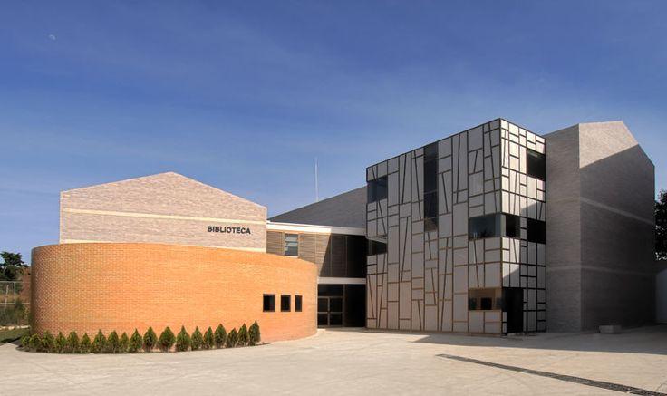 Biblioteca Villa de los niños / Solis Colomer Arquitectos