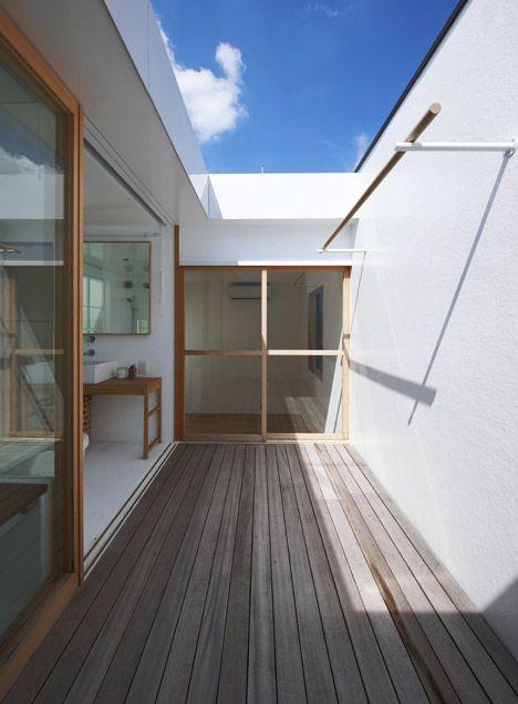 狹小建地上的優雅住宅 - 島田陽建築事務所 on KAIAK.TW | 城市美學的新態度