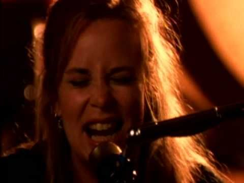 Music video by Mary Chapin Carpenter performing Shut Up And Kiss Me. (C) 1994 SONY BMG MUSIC ENTERTAINMENT