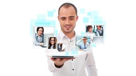 Mivel foglalkozol? - Online Szabadúszó Vállalkozó vagyok. - Hogy micsoda???