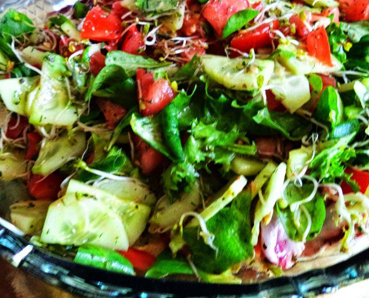 Sałata + inne warzywka kolacja gotowa:)