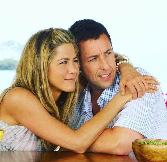 Another picture of Jennifer Aniston and Adam Sandler on the movie Just Go With It #thatsbeauty