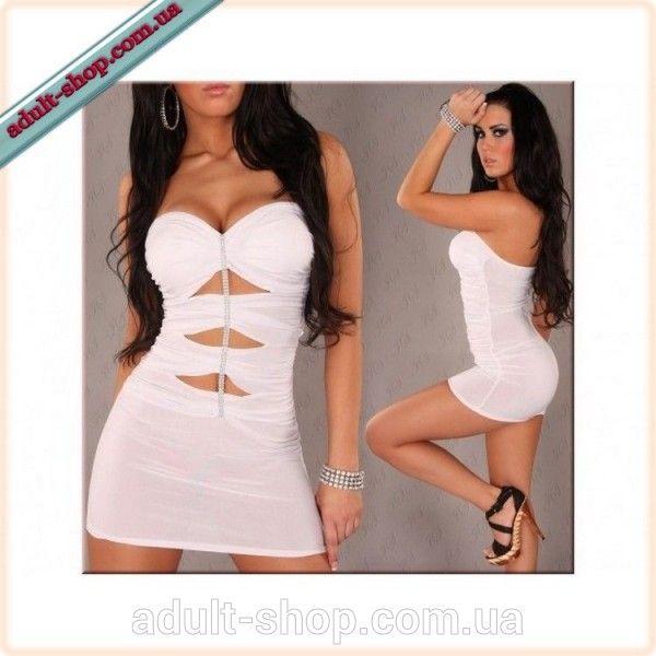 Белое облегающее платье-мини с вырезами на фронтальной части