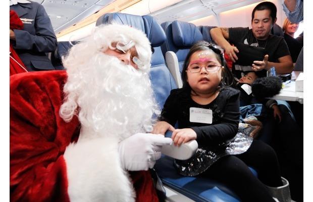 Charity flight helps kids track down Santa in North Pole skies