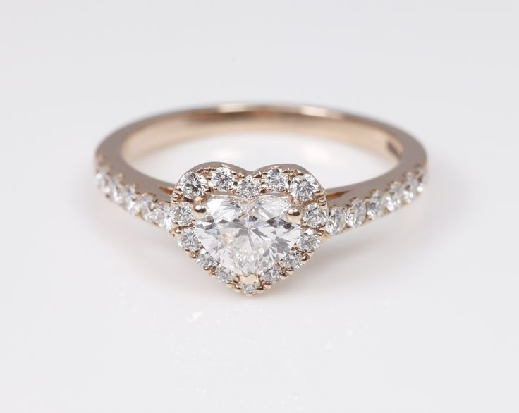 I like this color of rose gold. A lovely heart shape ring in rose gold - the most romantic choice