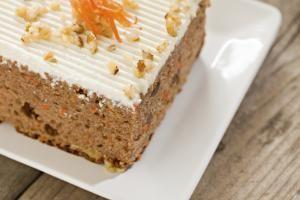 Dale un toque más saludable a tu tarta de zanahoria y añade calabaza: Si le añades a la típica tarta de zanahoria puré de calabaza tendrás una receta repleta de antioxidantes.