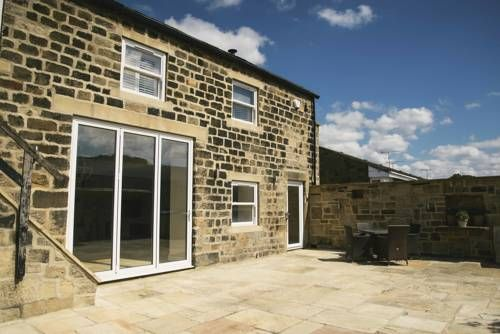 Hillcroft Barn Leeds Newly converted in 2016, Hillcroft Barn is located in Guiseley, 31 miles from York. It features free WiFi access and free private parking. The junction for the A65 Road, which offers access to the Yorkshire Dales, is just a 1-minute drive away.